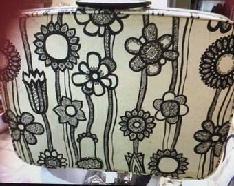 """Samsonite fashionar 30"""" luggage 1970 flower power"""
