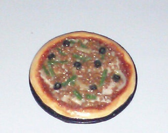 1:12 Scale Dollhouse Miniature Sausage Pizza