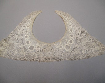 Antique white  chemical lace collar