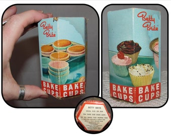 Vintage Betty Brite Small Paper Cupcake Liners, Papers in Original Box, 50s graphics