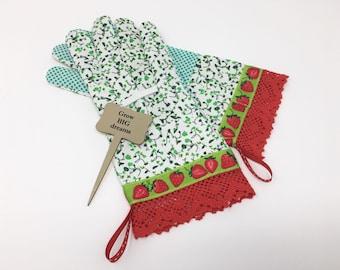 Strawberry Gardening Gloves. Work Gloves for Women. Mother's Day Gift. Master Gardener Present.
