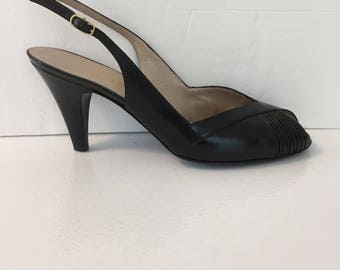 Bruno Magli Women's Size 7.5 Medium Black Leather Sling Back Vintage Buckle Strap  Peep Toe High Heels Made in Italy