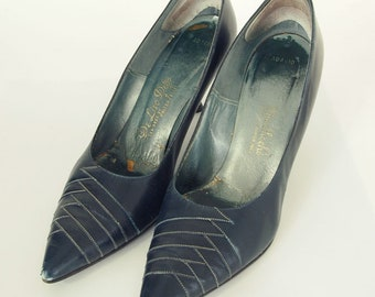 50s Navy Leather Pumps with White Stitching DeLiso Debs - about US 8N