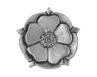 2 Tudor Rose 7/8 inch ( 22 mm ) Pewter Metal Buttons Antique Silver Color