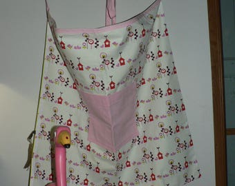 Bottom apron with front pocket - pink and green - birds and birdhouses patterns
