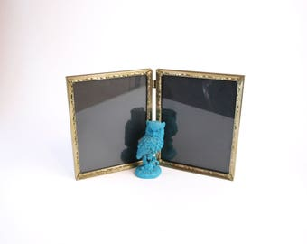 vintage 40s 50s mid century gold metal picture frame with ornate filigree bifold portrait stand 8x10 photo display retro home decor