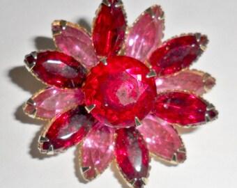 Pretty vintage goldtone pink and red pink rhinestone flower brooch