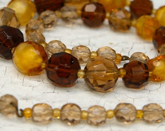 Vintage Faceted Glass Amber Beads. Amber Shades. Beaded Necklace
