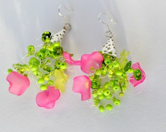 Earrings Nr 1, Green Earrings, Greenery Jewelry, Earrings Handmade, Greenery Wedding, Fuchsia Earrings, Hot Pink Jewellery, Trending Jewelry