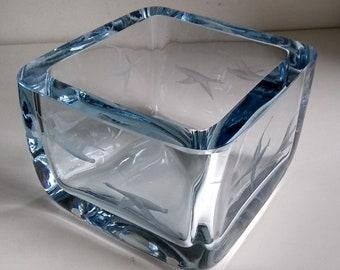 Mod Strombergshyttan Swedish Studio Art Glass Etched Geese in Flight Square Bowl