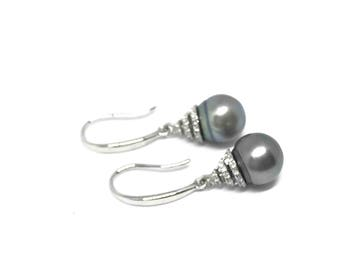 Silver cubic zirconia dangle earrings with Tahitian Pearl