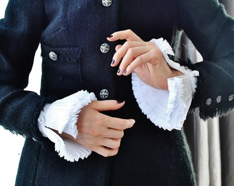 White Ruffled cuffs/Detachable pleated cuffs/White cuffs/Detachable cuffs/Wrist ruff/Cuffs Sleeve/Fashion sleeve/Jacket sleeve/Pleats