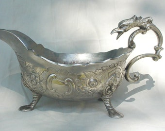 Medieval looking Silverplated Gravy Boat / Rococo style gravy boat / Corbell & Company Gravy Boat / Sauce Boat