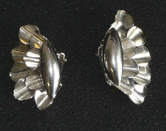 Vintage Silver Toned Ruffled CLIP ON Earrings 1950s 1960s