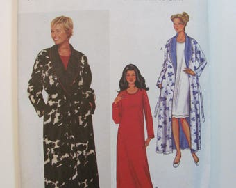 Butterick 3338 Today's Fit by Sandra Betzina Easy Robe and Nightgown Pattern for Misses or Petite Unused 2001 Sizes D-E-F (Bust 38-43)