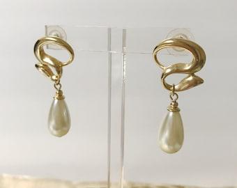 Vintage Pearl Gold Dangle Pierced Earrings