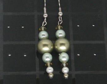 Earrings Pearl green beads (bo3)