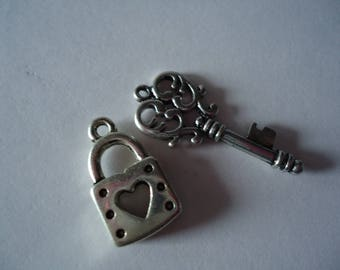 Key pendant with padlock series 3 silver metal