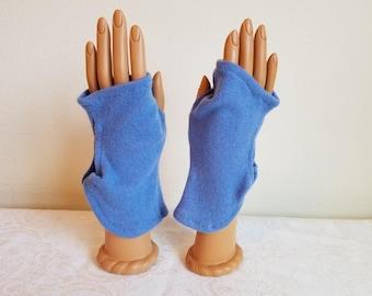 Bracelet Length Knotty Gloves in Blue Cashmere