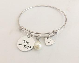 Gift for Bride on Wedding Day - Bride Gift Ideas - Gift for Bride - Mrs Bracelet