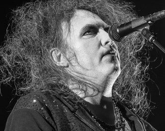 Robert Smith of The Cure at Voodoo Festival 8 x 10 Photo