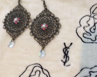 Floral filigree red/black earrings with swarovski crystal