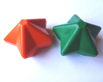 2 Star Crayons - -  Orange and Green - Novelty Crayons - RECYCLED