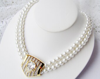 Double strand Pearl necklace / Statement necklace / white pearl necklace / Wedding pearls / Bridal jewelry / Rhinestone and pearl necklace