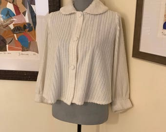 80s Chenille Boxy Bed Jacket Winter White Oversized Peter Pan Collar Puffy Mutton Chop Sleeves Side Seam Pockets Swing Hem Super Cute Cozy
