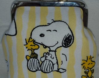 Peanuts Snoopy Nickel Kiss Clasp Coin Purse