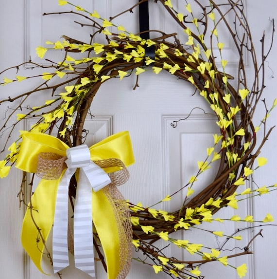 Forsythia Yellow and White Sunburst Grapevine Wreath; Everyday Wreath with Flowers; Floral Vine Spring Wreath; Yellow Summer Home Door Decor