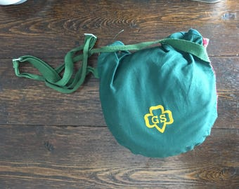 1950's Girls Scout Mess Kit with plaid Pouch / vintage collectible camping pan set