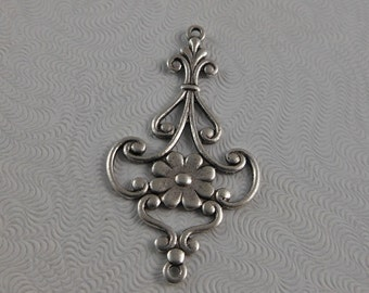 LuxeOrnaments Antique Silver Filigree Floral 2 Ring Pendant (Qty 1) 37x21mm G-06831-S