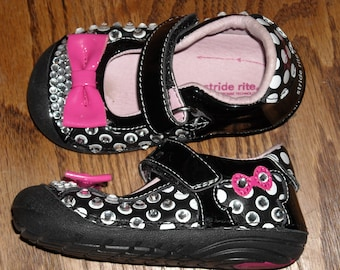 "DISNEY ""stride rite"" Shoes EMBELLISHED With CRYSTALS Black, White, Pink With Pink Bow   sz-5M"