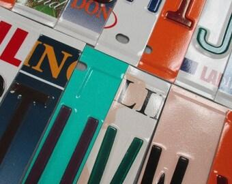 License plate brieven, nummerplaat kunst - opbrengst steun mensen met ontwikkelingsstoornissen disabilites