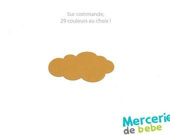 Shaped cloud in felt - Dimensions: 4.3 cm x 7.0 cm - colour choice