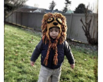 Lion  hat with tail