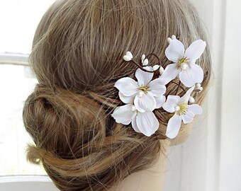 dogwood hair clip, dogwood flower hair piece, white dogwood headpiece, floral hair clip,