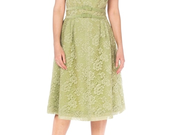 1950s Green Lace Dress With Velvet Ribbon And Bows Size: S
