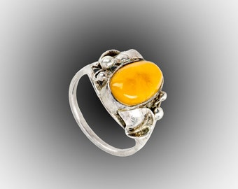Egg Yolk Baltic amber sterling ring size 8 1/4