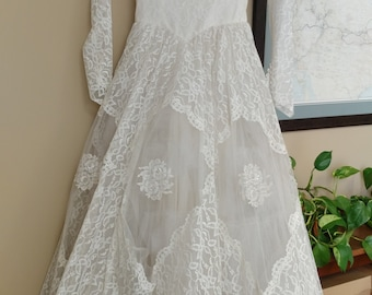 1950s Lace and Tulle Wedding Dress
