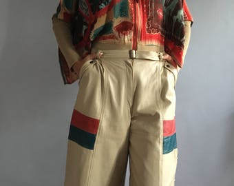 Vintage leather culottes laces 70s leather gauchos pleated pockets side laces vintage lambskin culottes beige leather bermudas laced