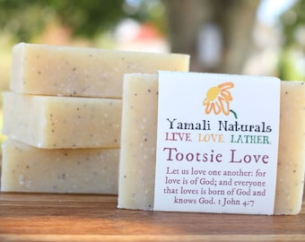 TOOTSIE LOVE Scrub Bar - Cold Processed Essential Oil Soap - Cool Mint and Poppyseed Scrub