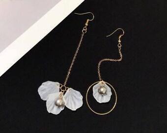 White Flower Earrings Gold Filled / Spring  Season Earring /