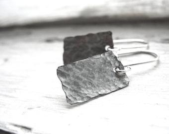 Boucles d'oreilles argentées, fait main Artisan ferronnerie martelé argent boucles d'oreilles, boucles d'oreilles, bijoux en argent, pendantes boucles d'oreilles argent