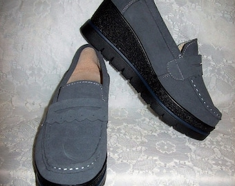 Vintage 1990s Ladies Gray Suede Leather Slip On Wedges Creepers EU Size 37 Only 14 USD