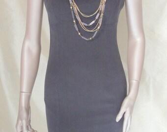 grey sheath dress , fitted sheat dress, kneeleght dress