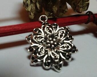 Vintage antique 23mm flower pendant