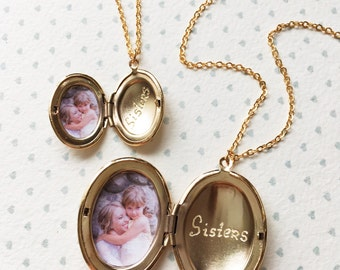 Sisters Locket Necklace / Matching Sister Necklaces / Big Sister Little Sister Necklace / Mother Daughter Jewelry