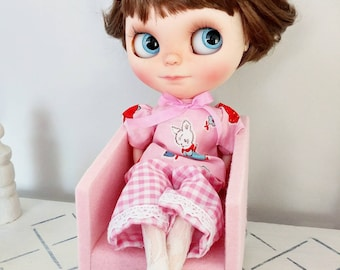 1/6 scale doll chair. Blythe chair pink